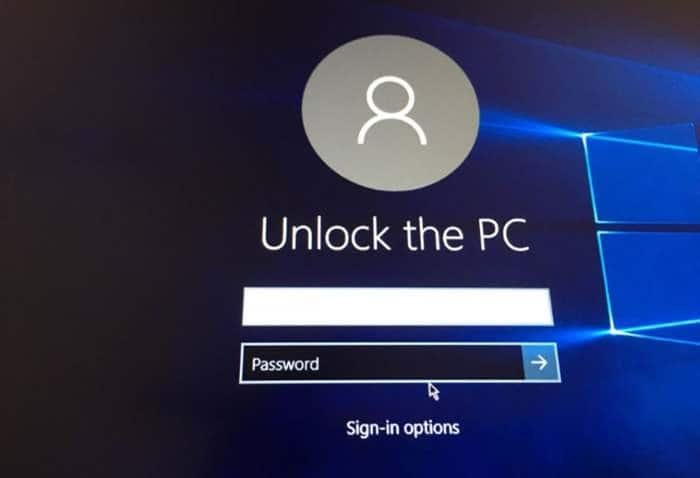 hide username email address on login screen in Windows 10